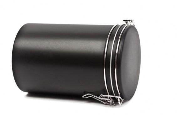 Caixa de metal preta