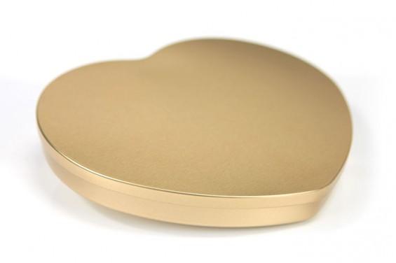 Embalagem de metal dourada em forma de coração