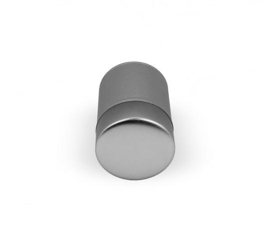 Lata metálica com duas tampas