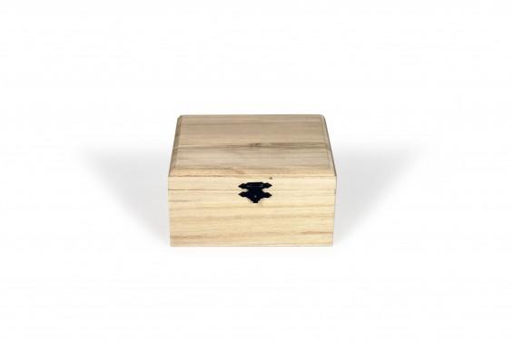 Baú de madeira grande