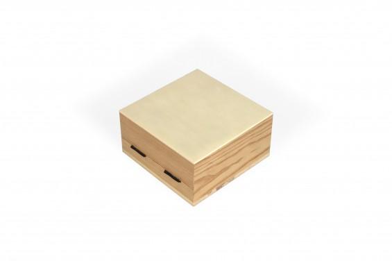 Baú de madeira pequeno