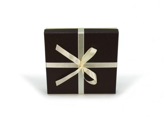 Caixa de cartão com laço