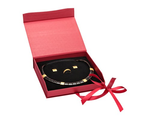 Caixa de cartão vermelha para colar, anel e brincos