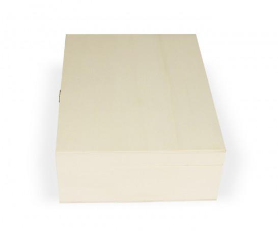 Caixa de madeira com tabuleiro