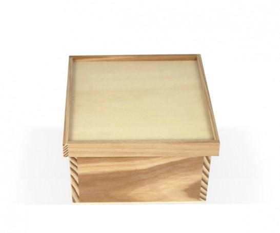 Caixa de madeira com 4 divisões