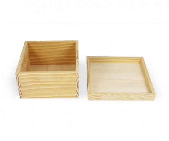 Caixa de madeira com tampa amovível