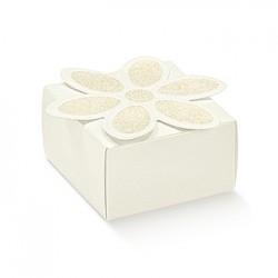 Embalagem de cartão com flor no topo