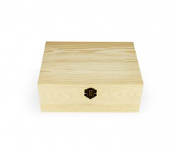 Caixa de madeira com fecho
