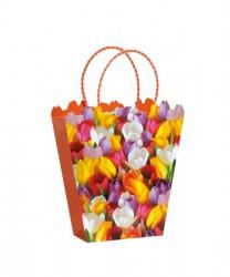 Saco de papel com flores