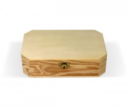 Caixa de madeira recortada