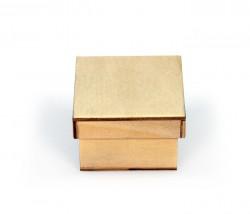 Pequena caixa de madeira